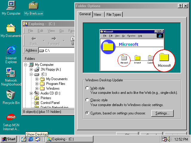 Desktop with applications in Windows 98 SE